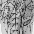 Arm Elefant tattoo von Art Line Tattoo