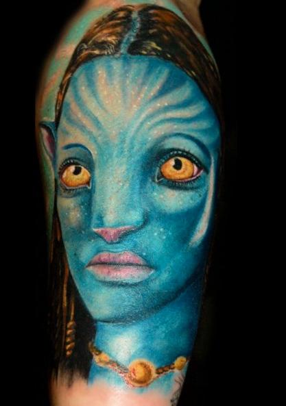 Arm Fantasie Avatar Tattoo von Art Line Tattoo