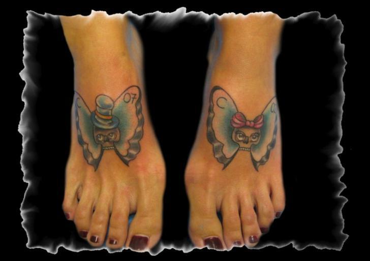 Tatuaggio New School Piede Farfalle di Art Line Tattoo