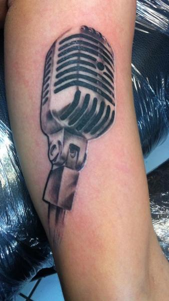 Arm Realistic Microphone Tattoo by Chrischi77