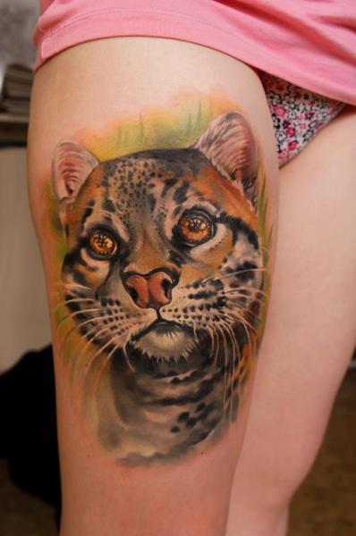 Realistische Tiger Oberschenkel Tattoo von Grimmy 3D Tattoo