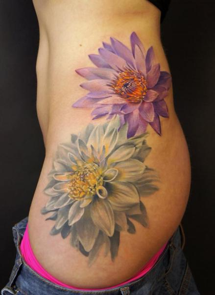 Tatuaje Flor Lado por Grimmy 3D Tattoo