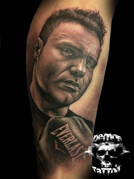 Arm Realistische Box Tattoo von Tatuajes Demon