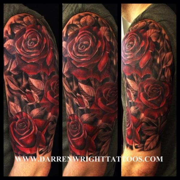 Schulter Realistische Blumen Tattoo von Darren Wright Tattoos