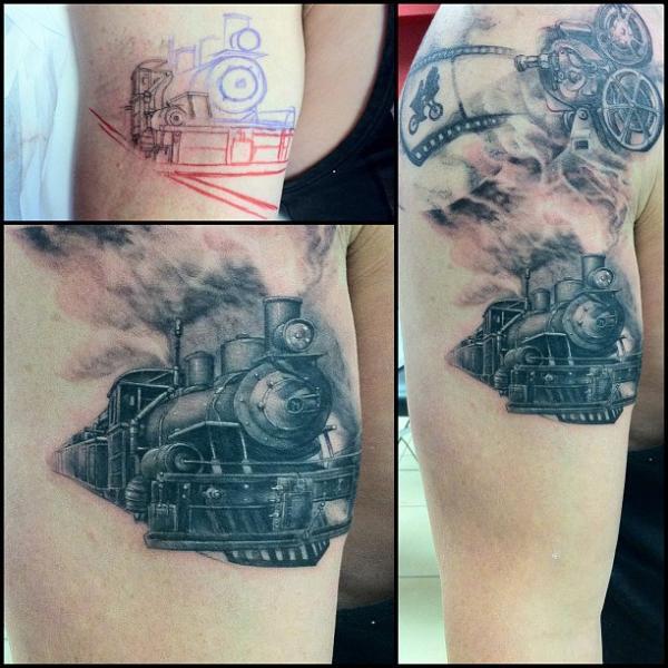 Realistische Zug Tattoo von Immortal Ink