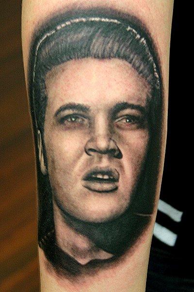 Porträt Realistische Tattoo von Corpus Del Ars
