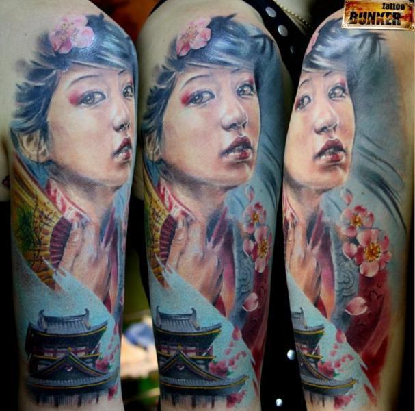 Shoulder Japanese Geisha Tattoo by Mikky Tattoo