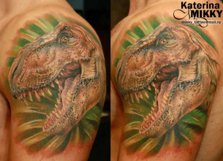Shoulder Realistic Dinosaur Tattoo by Mikky Tattoo