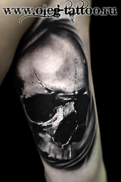 Arm Skull Tattoo by Oleg Tattoo
