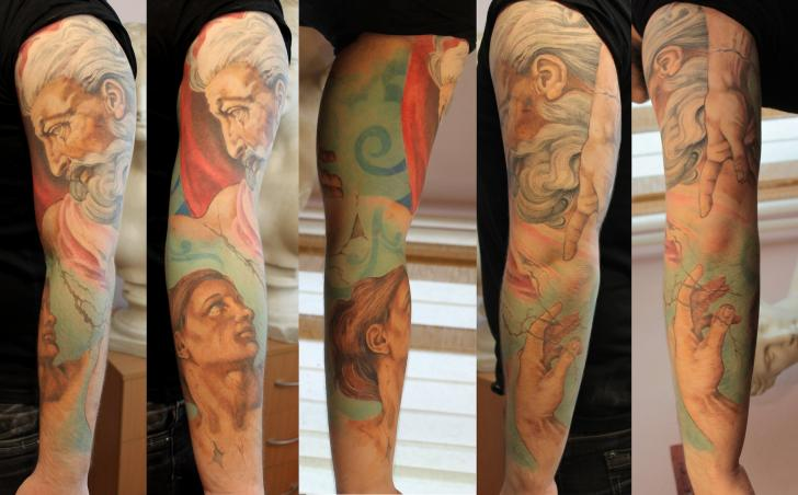 Realistische Leonardo Sleeve Tattoo von Tattoo X