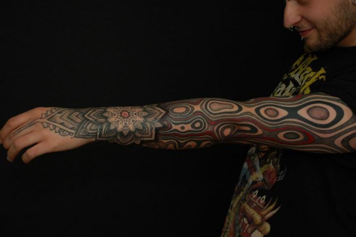 Arm Dotwork Optical Tattoo by Gerhard Wiesbeck