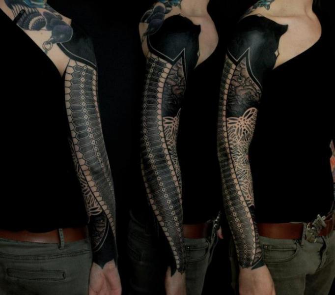 Tatuaje Dotwork Manga por Gerhard Wiesbeck
