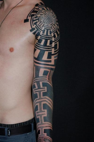 Tatuaje Tribal Manga por Time Travelling Tattoo