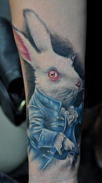 Arm Fantasie Hase Tattoo von Pure Vision Tattoo