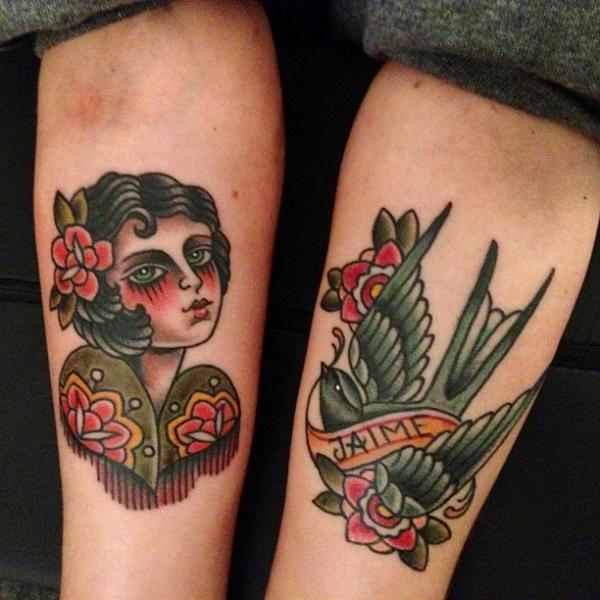 Tatuaje Brazo Old School Golondrina Mujer Por Seven Devils