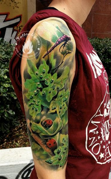 Shoulder Realistic Leaves Tattoo by Tattoo Ligans
