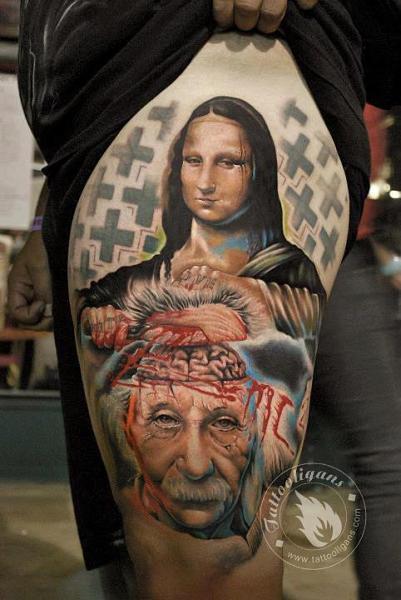 Einstein Leonardo Oberschenkel Gioconda Tattoo von Tattoo Ligans