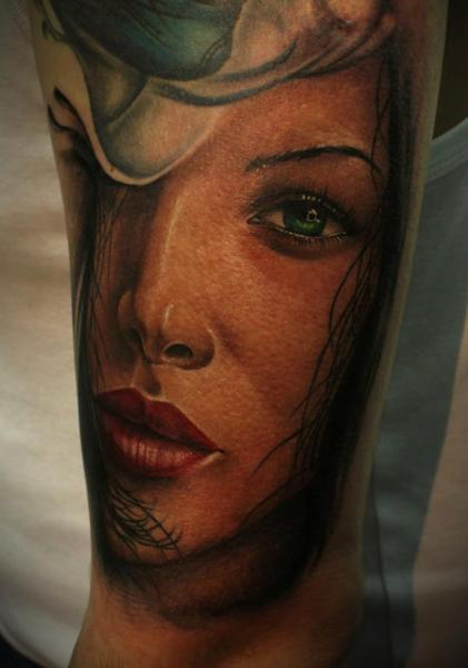 Arm Realistic Women Tattoo by 2nd Face