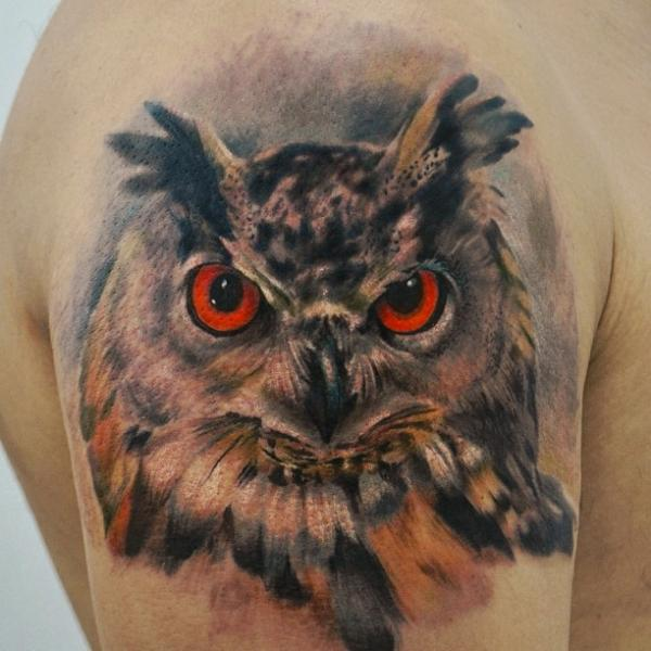 Shoulder Realistic Owl Tattoo by Yomico Art