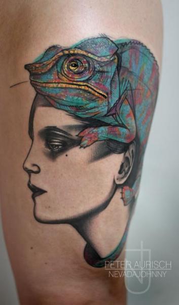 Tatuaggio Fantasy Donne Coscia Camaleonte di Peter Aurisch
