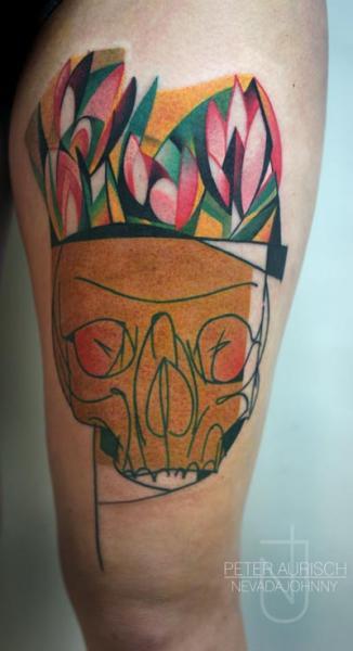 Tatuaggio Teschio Coscia di Peter Aurisch