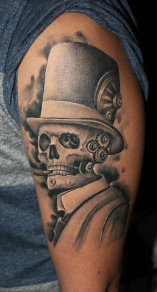 Arm Fantasie Totenkopf Roboter Tattoo von Bio Art Tattoo