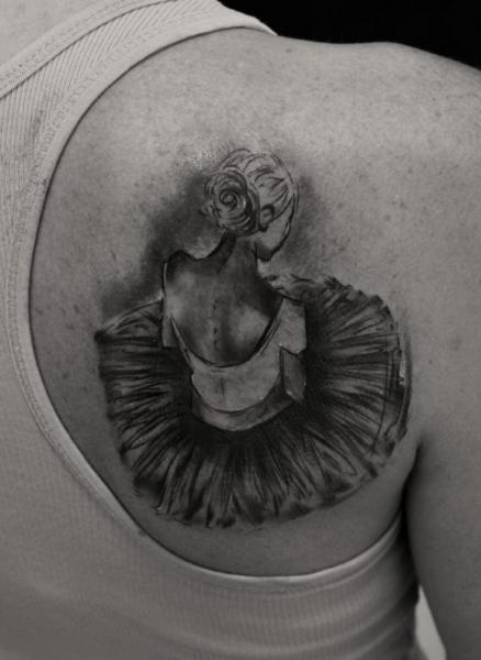 Schulter Tänzer Tattoo von Bio Art Tattoo