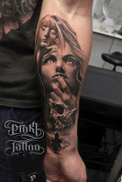 Arm Realistische Frauen Tattoo von Proki Tattoo