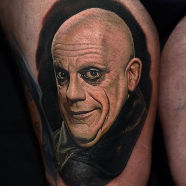 Porträt Addams Tattoo von Nikko Hurtado