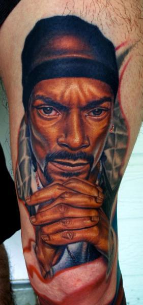 Porträt Realistische Bein Tattoo von Nikko Hurtado
