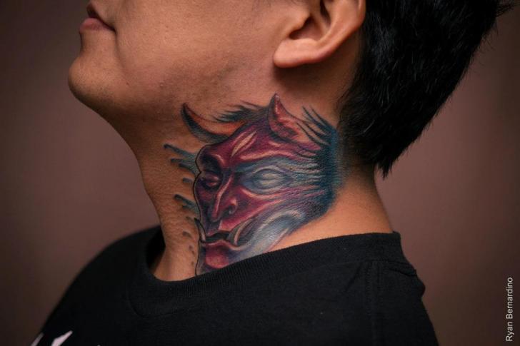 Nacken Drachen Tattoo von Ryan Bernardino