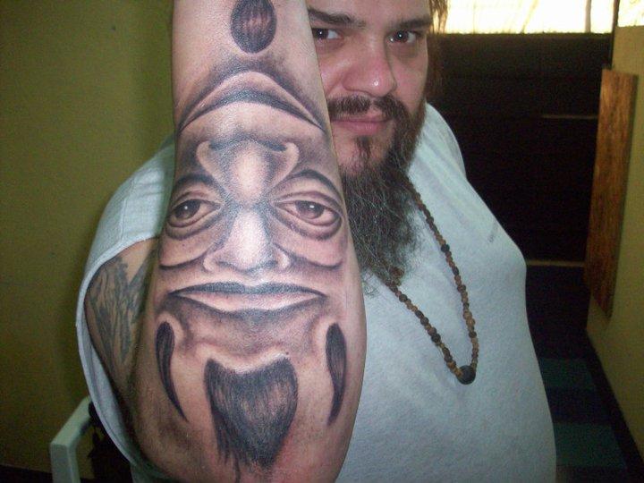 Arm Fantasie Männer Tattoo von Mandinga Tattoo