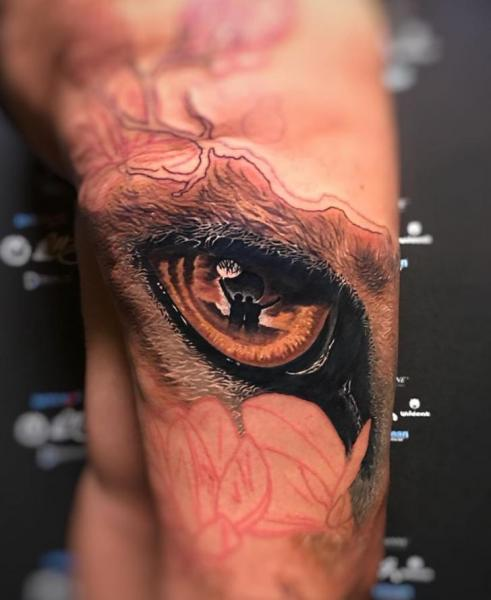 Arm Auge Tattoo von Heaven Of Colours