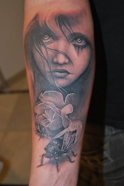 Arm Realistic Women Tattoo by Kaeru Tattoo