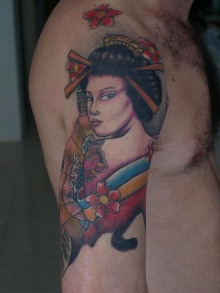 Shoulder Japanese Geisha Tattoo by Kaeru Tattoo