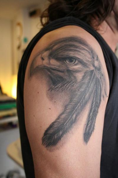Schulter Realistische Adler Tattoo von Kaeru Tattoo