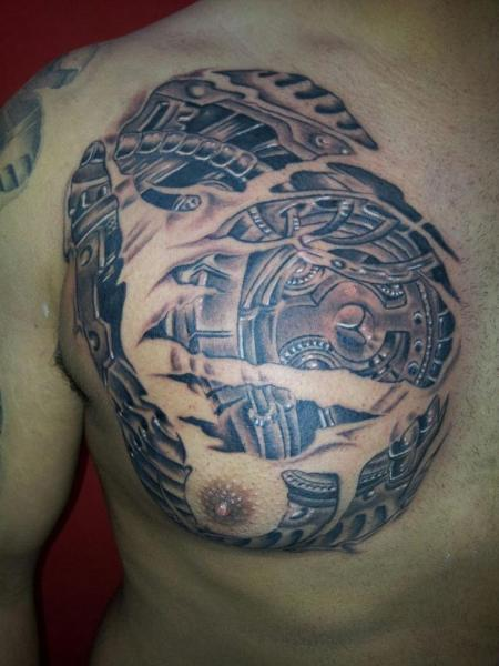 Biomechanical Chest Tattoo by Tattoo Lucio