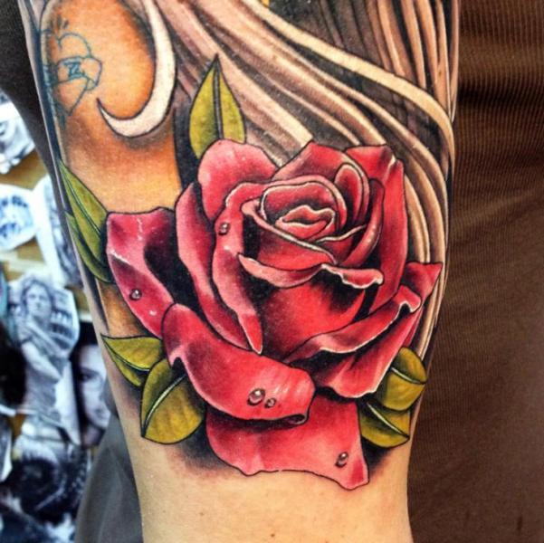 Blumen Tattoo von Wanted Tattoo