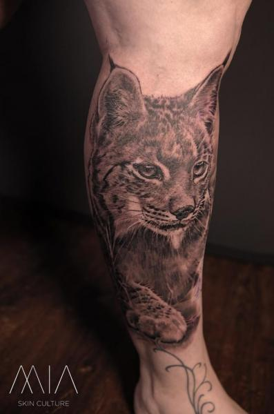Leg Lynx Tattoo by Mia Tattoo
