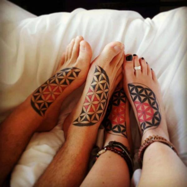 Fuß Dotwork Tattoo von North Side Tattooz