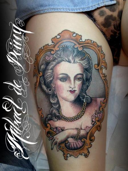 Women Medallion Thigh Tattoo by Mikael de Poissy
