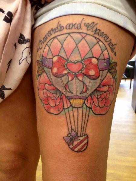 Tatuaje Fantasy Globo Muslo por Physical Graffiti