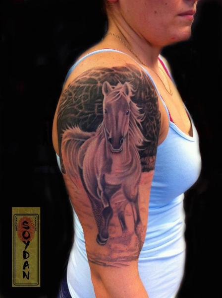 Shoulder Realistic Horse Tattoo by Yakuza Tattoo