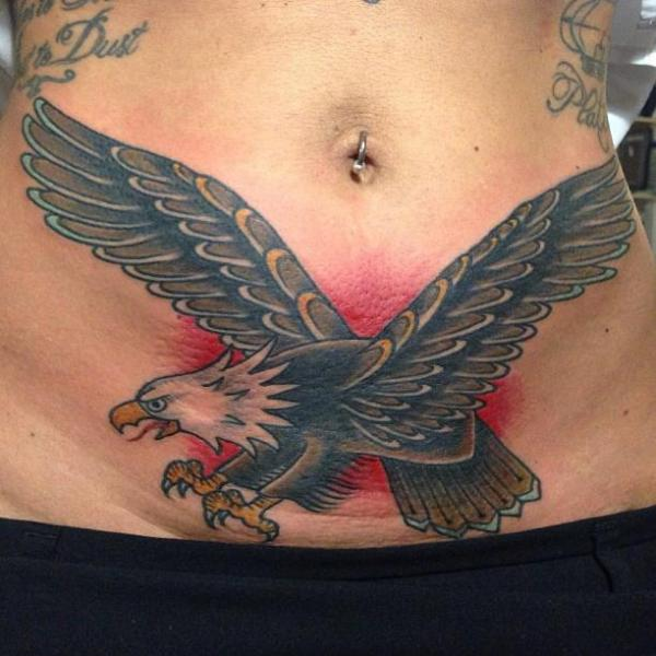 Tatuaggio Old School Aquila Pancia di Tatouage Chatte Noire
