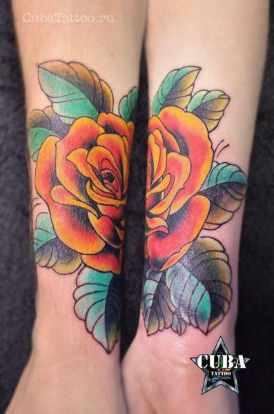 New School Blumen Tattoo von Cuba Tattoo