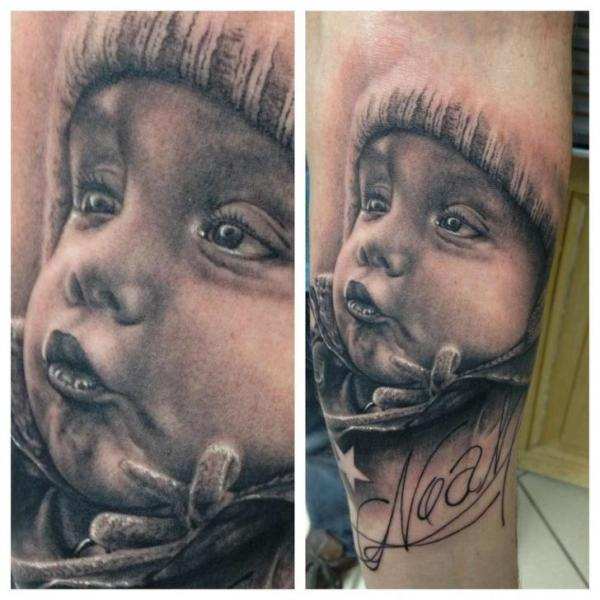 Tatuaje Brazo Realista Niños por Vicious Circle Tattoo