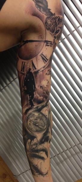 Tatuaje Realista Reloj Brújula Manga Por Vicious Circle Tattoo