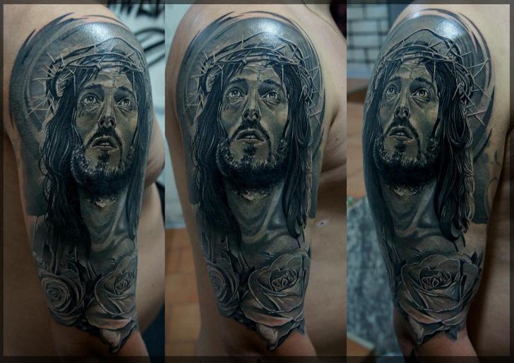 Tatuaje Hombro Jesús Religioso por Pavel Roch