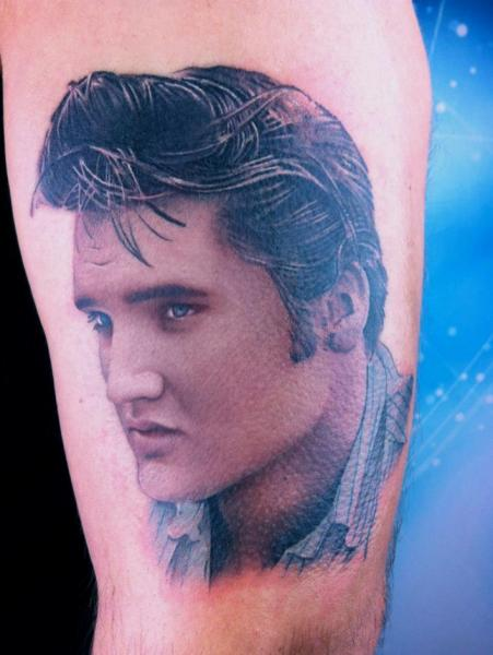 Arm Realistische Elvis Tattoo von David Corden Tattoos