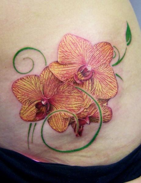Tatuaggio Realistici Fiore Schiena di David Corden Tattoos